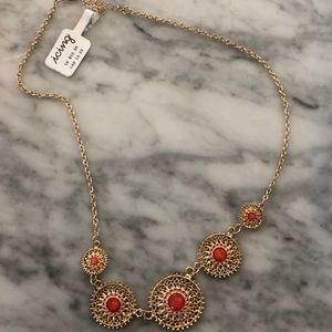 NEW WITH TAGS - Icing necklace